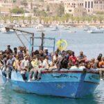 Il destino di una caserma: immigrati che arrivano, italiani che partono, rabbia e tensione
