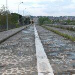 Lungosabato Boulevard e scuola in costruzione abbandonata....