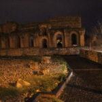 Una sera d'autunno, con la pioggia, per la citta'